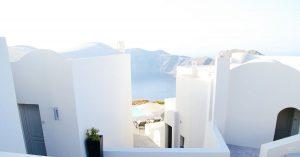 9 Santorini